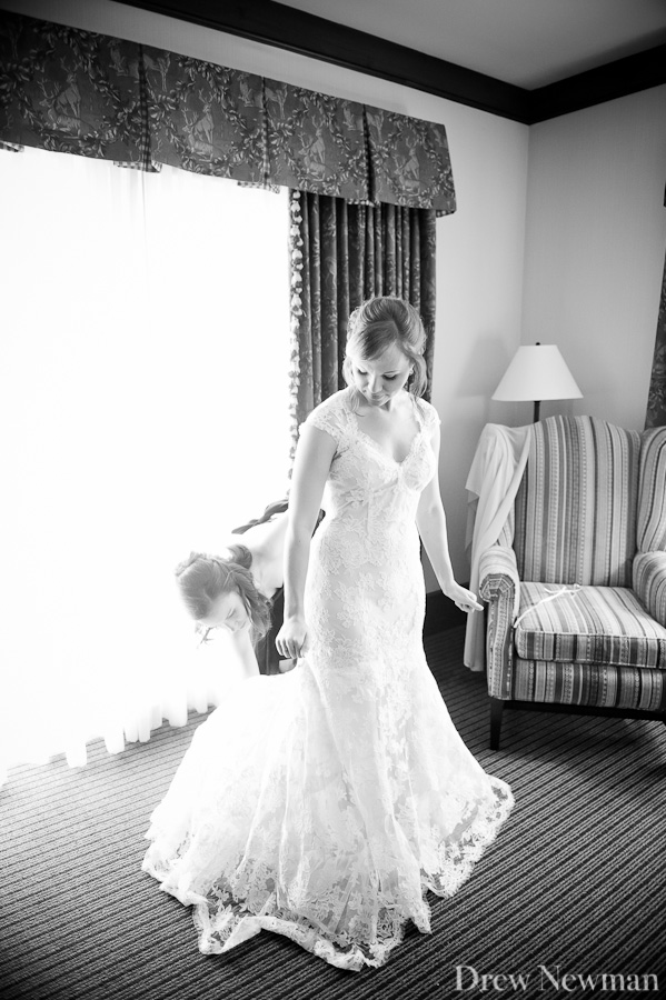 An elaborate stunning wedding at the Ritz Carlton Reynolds Plantation styled by Bold American Events, captured by Drew Newman Photographers of Atlanta Georgia.